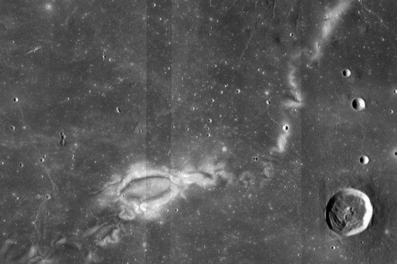 New NASA research may help explain 'lunar swirls'