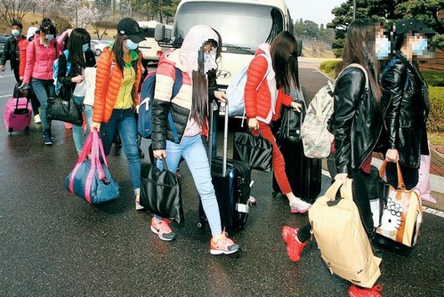 North Korean defectors arriving in the South on April 7. The defectors in custody have not had contact with legal counsel, according to a group of South Korean attorneys. File Photo courtesy of Republic of Korea Ministry of Unification