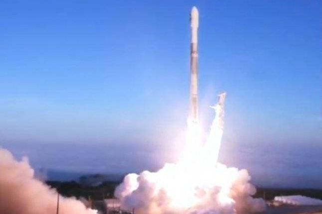 SpaceX launches rocket with satellites from Vandenberg AFB