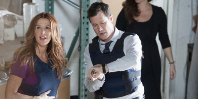 Photo of Unforgettable stars Poppy Montgomery and Dylan Walsh courtesy of CBS.