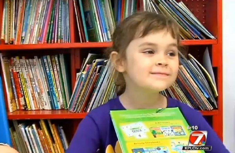 Sophia Moss, 5, read 875 books during her kindergarten school year. (Screenshot via KPLC-TV)