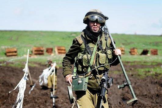 An Israeli combat engineer neutralizing mines. Photo courtesy Israeli Defense Forces