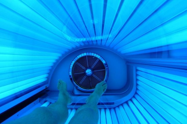 A new report from the Centers for Disease Control and Prevention found the prevalence of indoor tanning is declining among teens. Photo by Gerlach/PixaBay