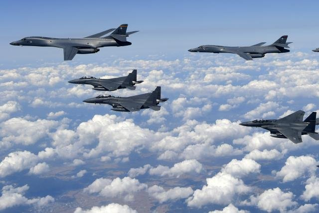 Four U.S. F-35B stealth jets and two B-1B strategic bombers, along with South Korean F15-K fighters, conduct a bombing drill on the Korean peninsula on Monday. Photo by Yonhap
