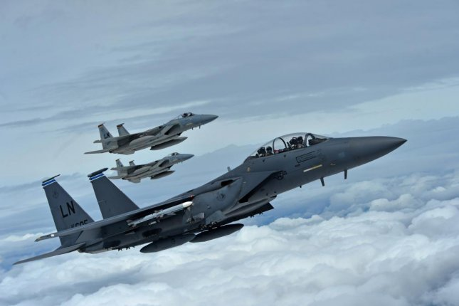 Boeing gets $478 million F-15 electronic warfare system contract