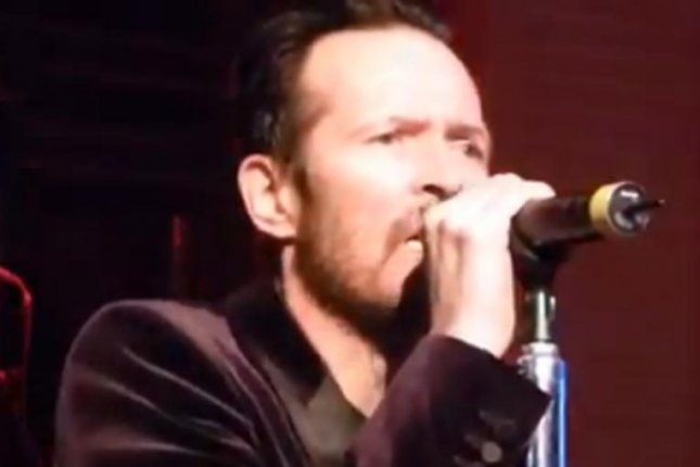 Scott Weiland gave an off performance of a Stone Termple Pilots hit at a show in Texas. YouTube screenshot/Chris Ramon
