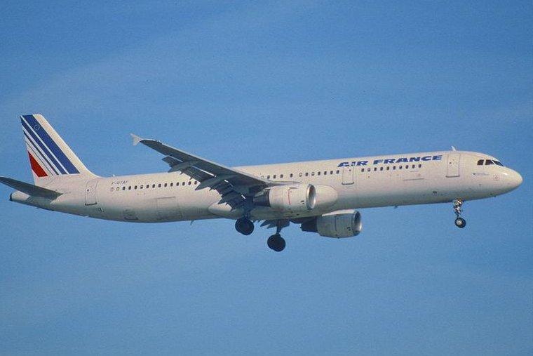 Suspected Ebola case aboard plane in Madrid