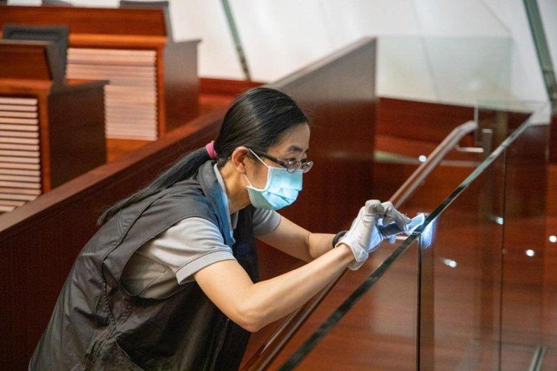 Hong Kong police arrest 12 for July 1 protest