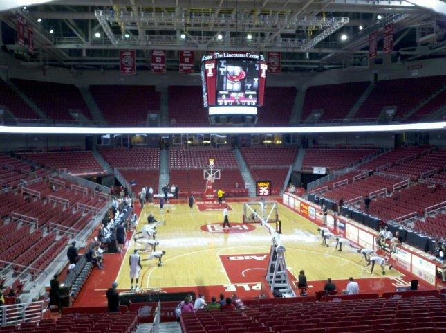 View inside the Liacouras Center, home of the Temple Owls basketball team. Photo courtesy 3bhh/Wikimedia