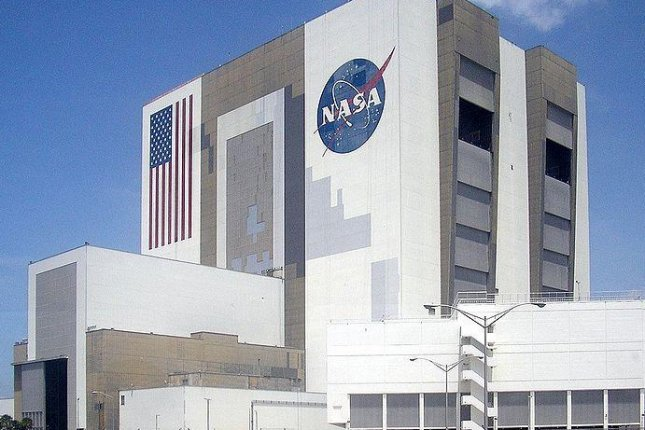 Vehicle Assembly and Launch Control at Kennedy Space Center. NASA is extending its contract with the Russian Federal Space Agency to transport U.S. astronauts to the International Space Station. Photo by WikiCommons.