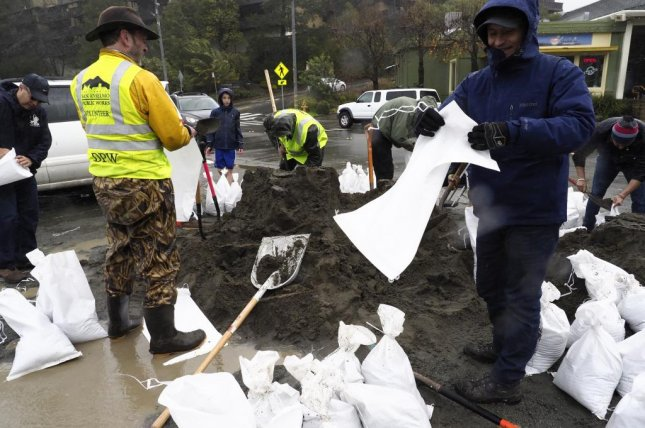 Residents in Northern California lined the banks of local creeks and the edges of roadways with sandbags on Saturday, January 7, 2017, in anticipation of record rains. Photo by John G. Mabanglo/European Pressphoto Agency