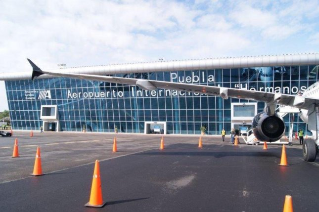 Mexico's Puebla Airport reopened after Popocatépetl volcano ash cleanup