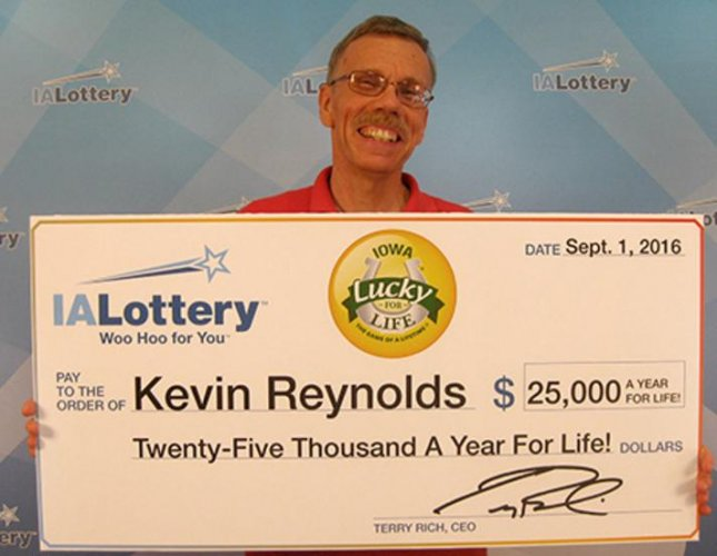 Iowa man scores easier retirement with $2 lottery ticket