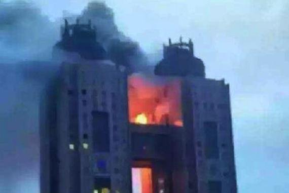 Flames consumed the bridge that connects the Koryo Hotel's twin towers for about an hour, according to a witness. The fire continued late into the night at the hotel in Pyongyang, North Korea. Photo by Yonhap
