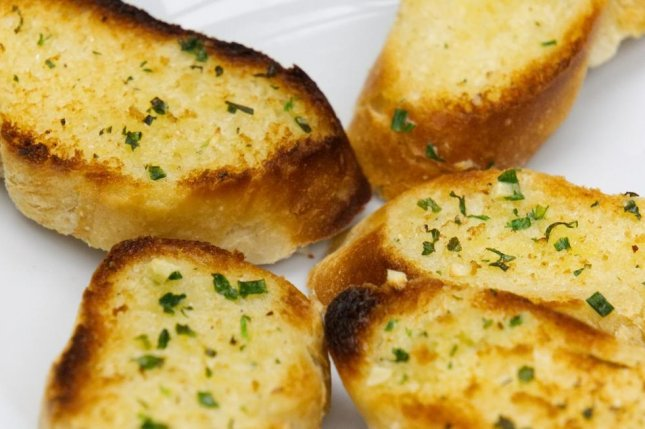 Domino's Pizza is offering $20 an hour for a one-day job: Chief Garlic Bread Taster. Photo by distel2610/Pixabay.com