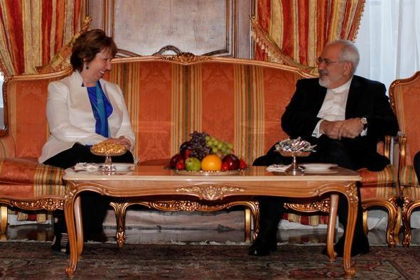 European Union High Representative Catherine Ashton meets with Iranian Foreign Minister Javad Zarif in New York City to kick off the new round of nuclear talks on September 17, 2014. (Twitter/EU)