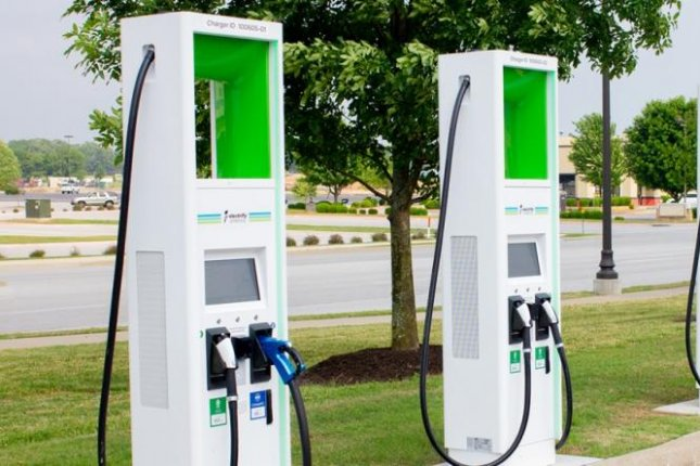 Electric Vehicle Charging Stations >> Walmart Opens 120 Electrify America Electric Vehicle Charging