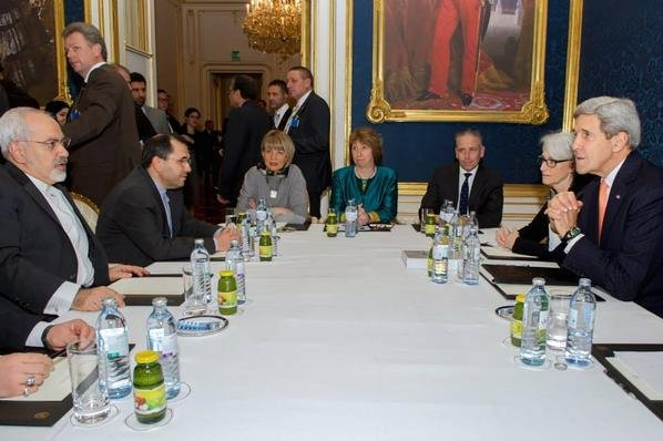 U.S. Secretary of State John Kerry (r), European Union foreign policy chief Catherine Ashton (c) and Iranian Foreign Minister Javad Zarif (l) meet on Nov. 21, 2014, in Vienna, Austria during the final round of nuclear negotiations before the Nov. 24 deadline. (UPI/U.S. Mission to NATO)