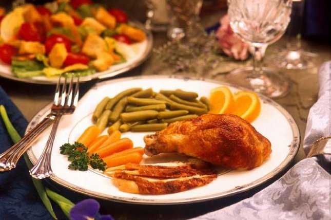 Experts say the extra work put on kidneys during Thanksgiving because of overeating can lead to medical issues, especially for people with chronic kidney disease or kidney stones. Photo by skeeze/Pixabay