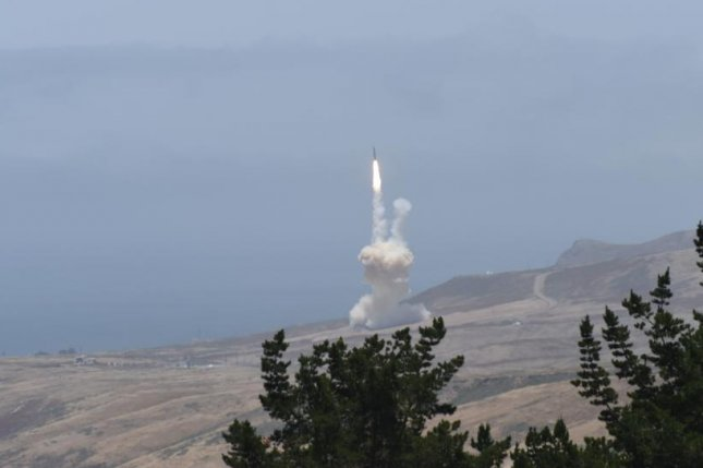 Secret missile defence test by USA  military fails