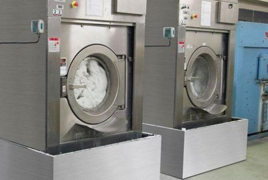 A study found hospital bedsheets cleaned in commercial washing machines with industrial detergent at high disinfecting temperatures failed to remove all traces of a bacteria that causes infectious diarrhea. Photo courtesy of JLA