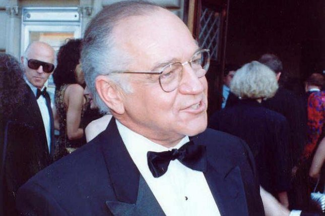 Photo of Richard Dysart in 1990 by Alan Light. Wikimedia Commons