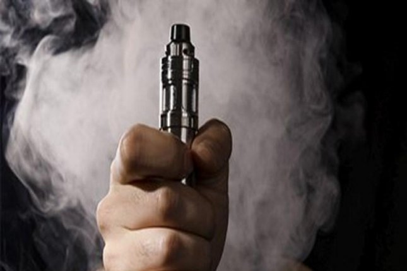 Secondhand Smoke Might Triple Childs >> Many Parents Think It S Ok To Vape Around Kids Upi Com