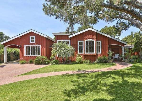 TV actress Cheryl Hines and her new husband, Robert F. Kennedy Jr. have purchased a $4.9 million home in the Point Dume area of Malibu, Calif., that includes a pool house, a wine shed and a treehouse. (COLDWELL BANKER)