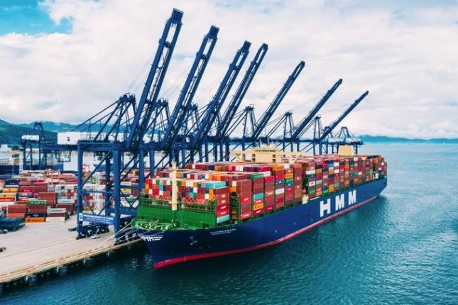 A container vessel of South Korea's top shipper HMM is displayed. Global shippers have booked record profits during the first quarter of this year thanks to surging cargo demand amid the pandemic. Photo courtesy of HMM