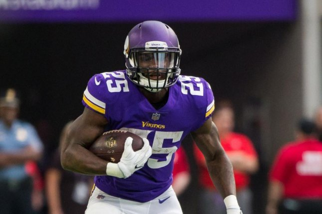 new styles 68a70 b757b Latavius Murray helps Minnesota Vikings knock off Los ...