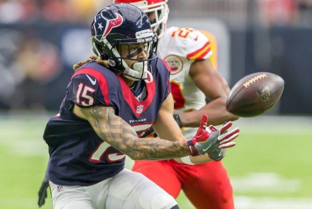 Houston Texans wide receiver Will Fuller is out indefinitely with a broken collarbone after leaving Wednesday's practice with the injury. Photo courtesy of Houston Texans/Twitter