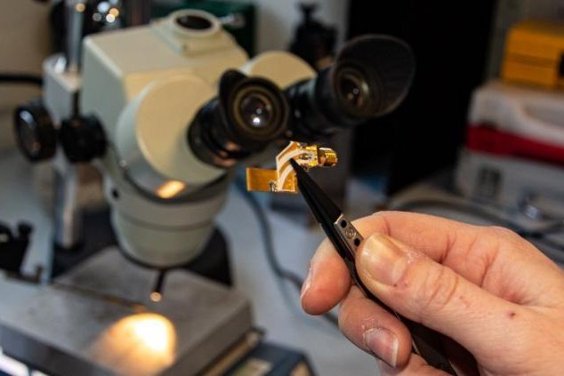 The extremely small terahertz quantum cascade laser could be used for ultra-fast data transfers. Photo by University of Leeds