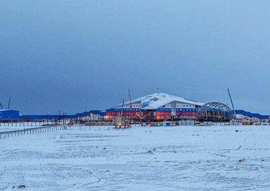Construction of the Arctic clover administrative and housing complex, being built to develop the infrastructure of the Russian northern fleet in the Arctic on the Alexandra Land of the Franz Joseph Land archipelago. Photo courtesy of mil.ru