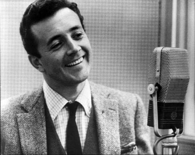 Postwar era crooner Vic Damone died at the age of 89 on Sunday, his family said. Photo by Columbia Records/Wikimedia Commons