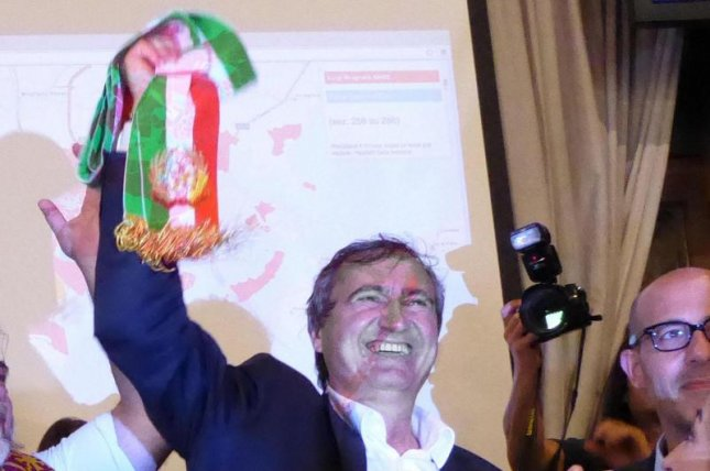 Venice Mayor Luigi Brugnaro, shown here after his 2015 election, had asked citizens to stay away from elections Sunday calling Venice to separate from Mestre. The measure failed because of only a 22 percent turnout. Photo by Andrea Merola/EPA