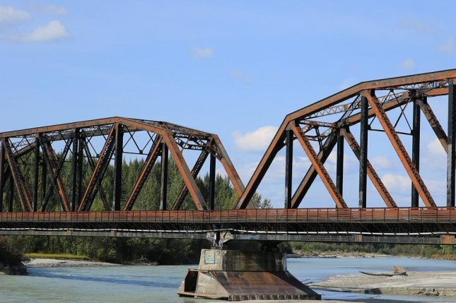 The structural integrity of steel girder bridges is likely to be undermined by added thermal stress as a result of climate change, according to a new study. Photo by Pixabay/CC