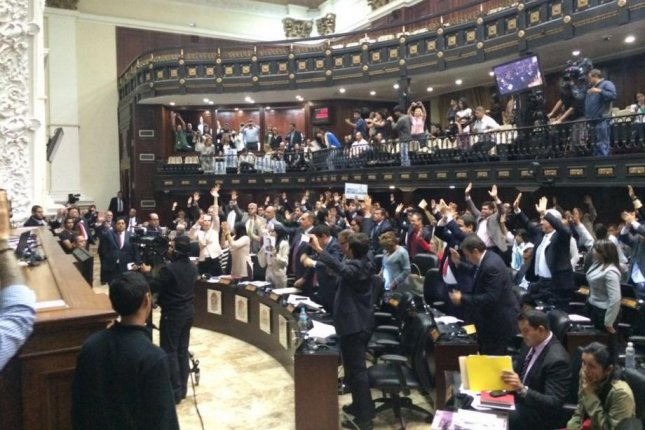 Venezuela's National Assembly, seen here casting votes approving an amnesty bill, is controlled by the country's political opposition, which hopes to see the release of jailed opposition members. Photo courtesy of National Assembly