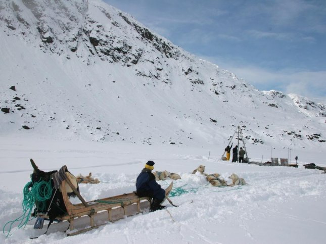Scientists collect sediment ice cores in Greenland. Photo by William D'Andrea/Earth Institute