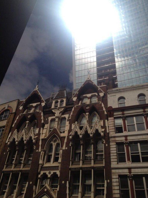 Light reflecting off the Walkie Talkie building. (Twitter/Adam Woozeer)