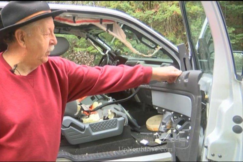 watch black bear destroyed interior of michigan man 39 s pickup truck. Black Bedroom Furniture Sets. Home Design Ideas