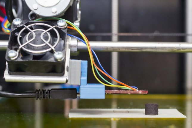 The researchers were able to produce a variety of differently shaped magnets with a 3D printer. Photo by TU Wien