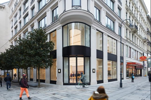 Apple Kärntner Straße, located on the famous pedestrian shopping street between St. Stephen's Cathedral and the Vienna State Opera, is set to open Saturday. Photo courtesy Apple