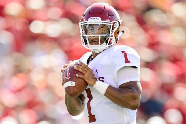 Kyler Murray (pictured) and No. 5 Oklahoma will try to keep its College Football Playoff hopes alive against the No. 14 Longhorns. Photo courtesy of Oklahoma Football/Twitter
