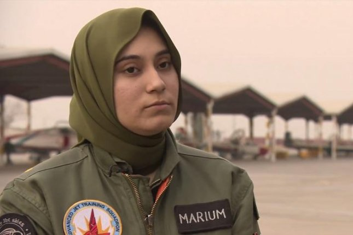 Female Pakistani fighter pilot killed in training crash