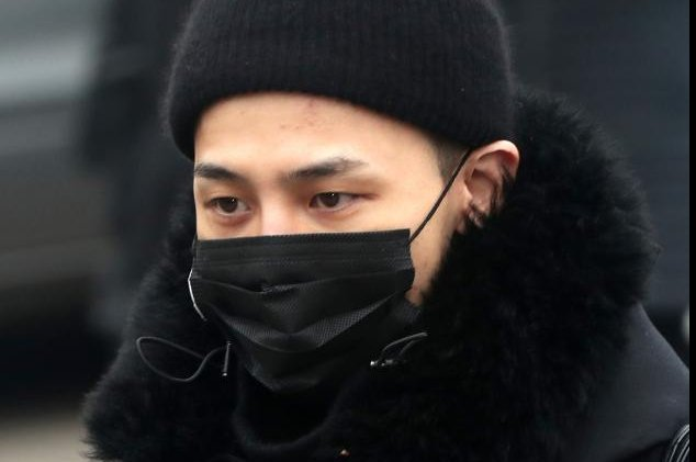 G-Dragon admitted to hospital for ankle surgery