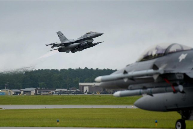 Air National Guard pilots eject safely after F-16 midair