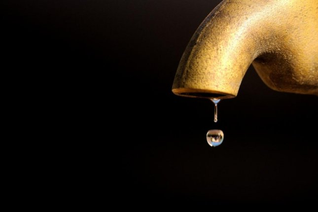 A new study explains the annoying 'plink' sound made by a dripping faucet. Photo by StockSnap/Pixabay