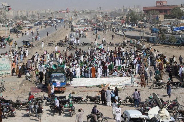 Pakistan troops deployed to quell protests in Islamabad