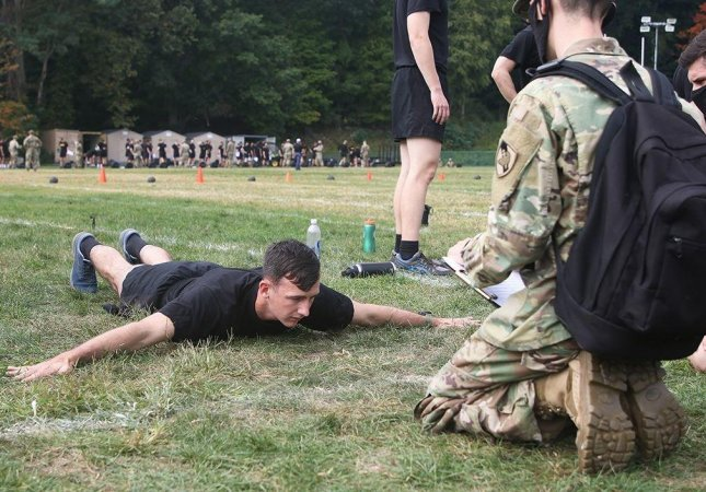 A U.S. Army soldier participates in the Army Combat Fitness Test, which is currently under evaluation because of its gender-neutral scoring system. Photo by Eric Bartelt/U.S. Army