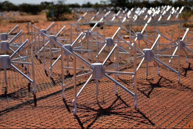 A small portion of the Murchison Widefield Array. Credit: International Center for Radio Astronomy Research